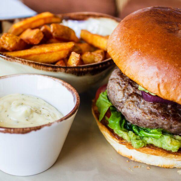 louis-hansel-Si5lP0g-sR8-unsplash (Burger_Fries_Dip)